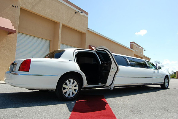 lincoln-stretch-limo-pittsburgh